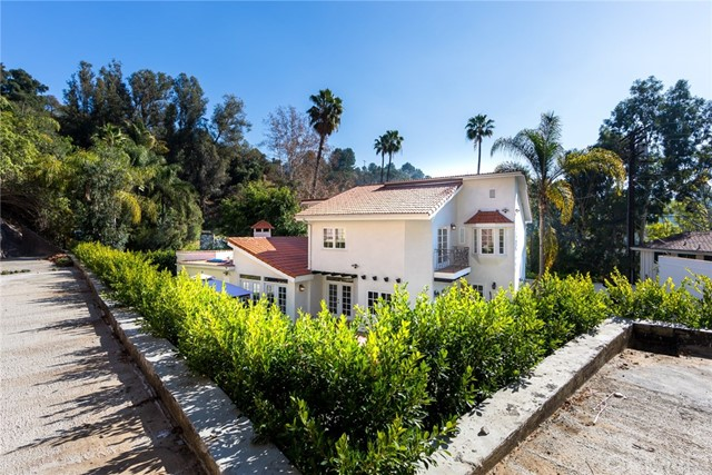 2752 Ellison Drive Los Angeles, CA 90210 - MLS #: SR18034355