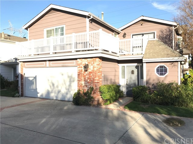 Townhouse for Sale at 18833 Hatteras Street Unit 106 18833 Hatteras Street Tarzana, California 91356 United States