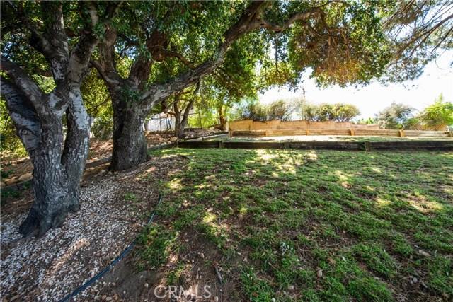 5832 Oak Knolls Road, Simi Valley CA: http://media.crmls.org/mediascn/5d2a8aff-e898-4129-b711-4d98f6d9b9dc.jpg
