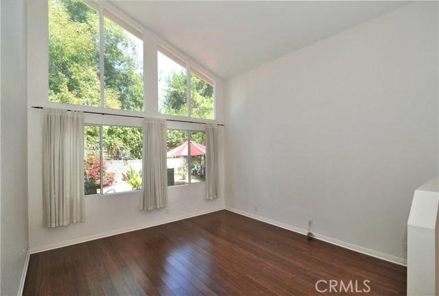 703 San Doval Place, Thousand Oaks CA: http://media.crmls.org/mediascn/5d41eda6-935d-4aee-9758-278376e33d5b.jpg
