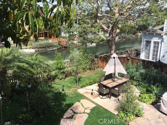 214 Sherman Canal, Venice CA: http://media.crmls.org/mediascn/5d43c8bd-4377-428e-80fc-abe8ca103224.jpg