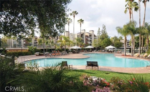 5535 Canoga Avenue, Woodland Hills CA: http://media.crmls.org/mediascn/5d519d3f-50d6-4319-b8d9-0f0fe0048177.jpg
