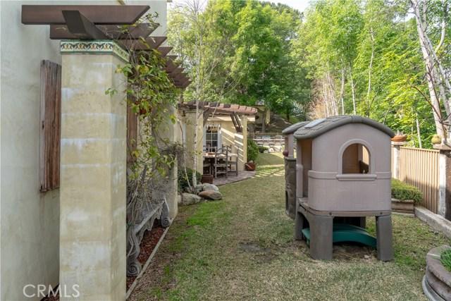 17219 Warrington Drive, Granada Hills CA: http://media.crmls.org/mediascn/5d637a76-b291-4997-a237-c7b8e0e76ea5.jpg