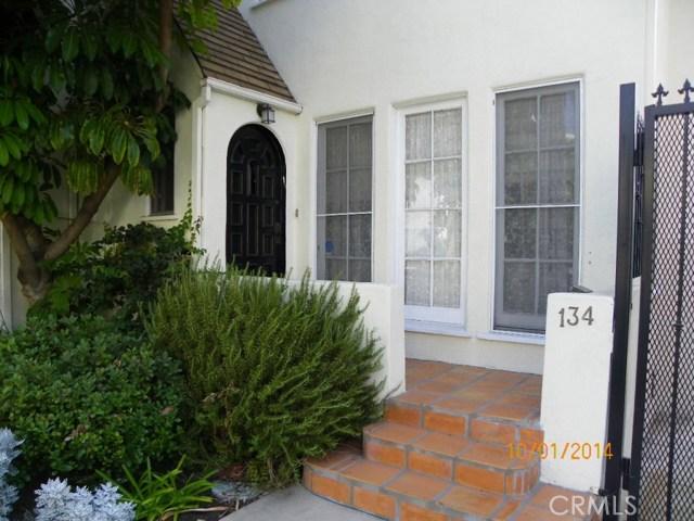 134 S Palm Drive, Beverly Hills CA: http://media.crmls.org/mediascn/5d9db201-79b3-42ad-b972-494b3f2e8390.jpg