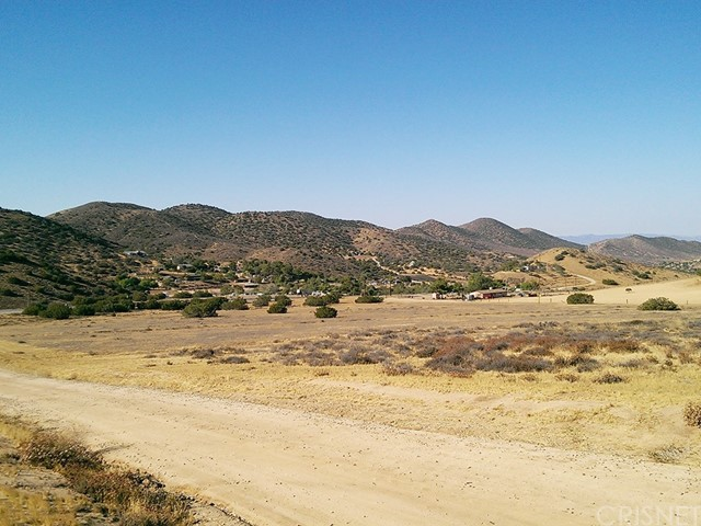 68 St. West and Sierra Highway, Agua Dulce CA: http://media.crmls.org/mediascn/5dbf0aba-7047-44f7-a377-a949fb8a5d25.jpg