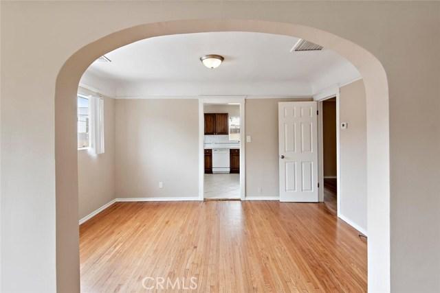 721 N Orange Grove Avenue, Los Angeles CA: http://media.crmls.org/mediascn/5ddc6821-d5c3-4670-9ab0-2b366d8c4e4e.jpg