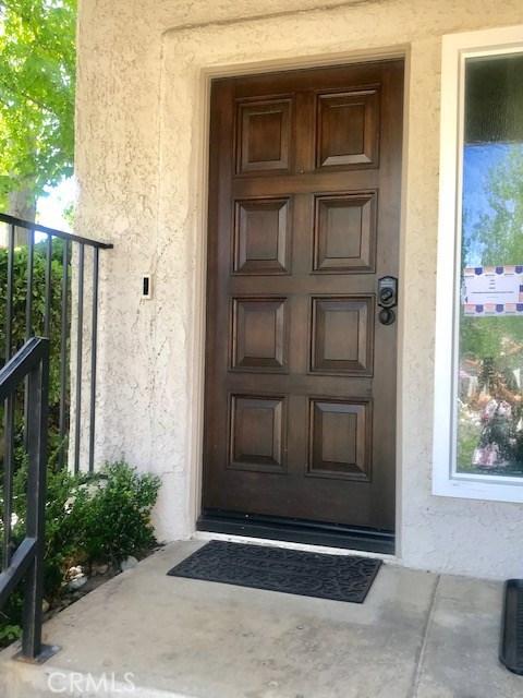 381 Maidstone Lane, Thousand Oaks CA: http://media.crmls.org/mediascn/5de45937-9311-48c2-975e-3d16383cce78.jpg