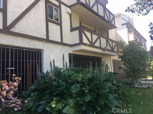 7005 Jordan Avenue, Canoga Park CA: http://media.crmls.org/mediascn/5e206251-8178-45a7-a717-7060c81203ef.jpg