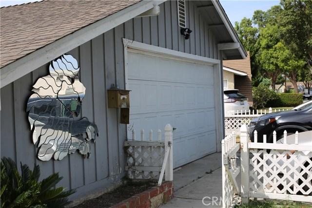 11750 214th Street, Lakewood CA: http://media.crmls.org/mediascn/5ee1b9d3-1015-4b7c-b6d5-100ef7e03b3f.jpg
