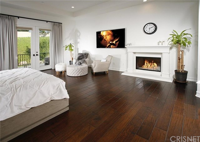 3750 Marfield Avenue, Tarzana CA: http://media.crmls.org/mediascn/5f3a1db6-ea20-40b3-8a33-67d1f9e13a17.jpg