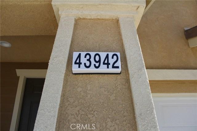 43942 Windrose Place, Lancaster CA: http://media.crmls.org/mediascn/5f58321d-1745-442f-bd7f-f56f1993ccb1.jpg