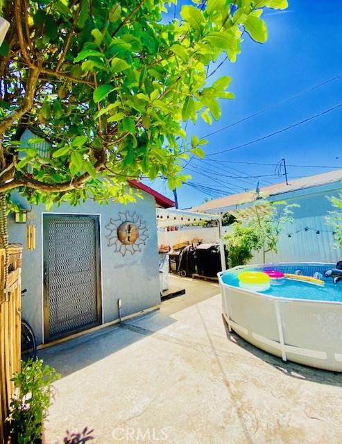 1954 E 112th Street, Los Angeles CA: http://media.crmls.org/mediascn/5f5e79e2-4845-4767-b634-3421c2067853.jpg