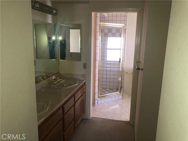 2315 W Avenue K9, Lancaster CA: http://media.crmls.org/mediascn/5f9c3803-d64c-4492-922e-3705b45a72c8.jpg