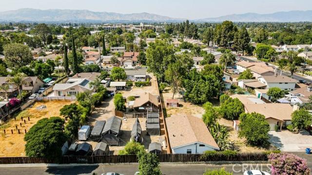 18320 Arminta Street, Reseda CA: http://media.crmls.org/mediascn/5fd08ecb-c720-4caf-8507-d28c17d7b305.jpg