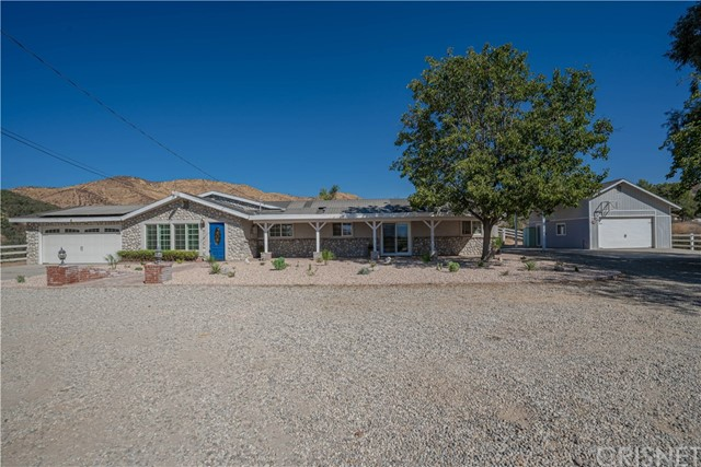 Detail Gallery Image 1 of 1 For 32580 Willow Ln, Agua Dulce,  CA 91390 - 3 Beds | 2/1 Baths