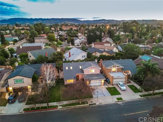 Additional photo for property listing at 18204  Erwin Street 18204  Erwin Street Tarzana, California 91335 United States