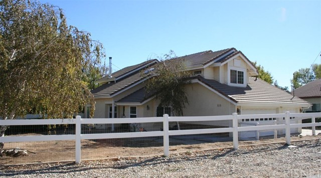 Single Family Home for Sale at 42810 Lesina Drive Lake Elizabeth, California 93532 United States