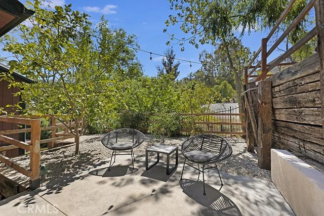 5245 Elvira Road, Woodland Hills CA: http://media.crmls.org/mediascn/604e4e1f-c8eb-4546-aca4-72554cde8979.jpg