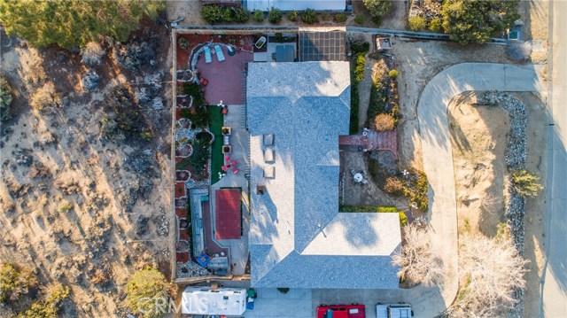 15648 Cypress Point Avenue, Llano CA: http://media.crmls.org/mediascn/6064f48e-1d3d-4083-ba29-1158b1933543.jpg