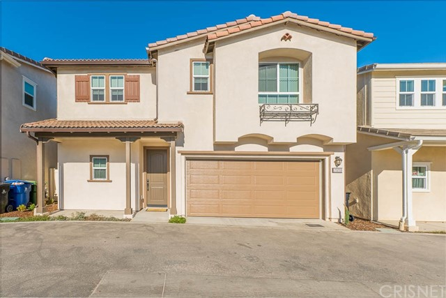Detail Gallery Image 1 of 16 For 23233 W Canterbury Way, West Hills,  CA 91307 - 4 Beds | 2/1 Baths