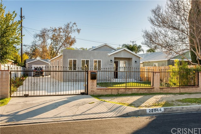 22044 Valerio St, Canoga Park, CA 91303 Photo