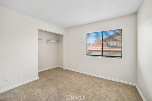 74 Maegan Place, Thousand Oaks CA: http://media.crmls.org/mediascn/6073cc79-2a5d-48ce-9268-bf124497b20d.jpg