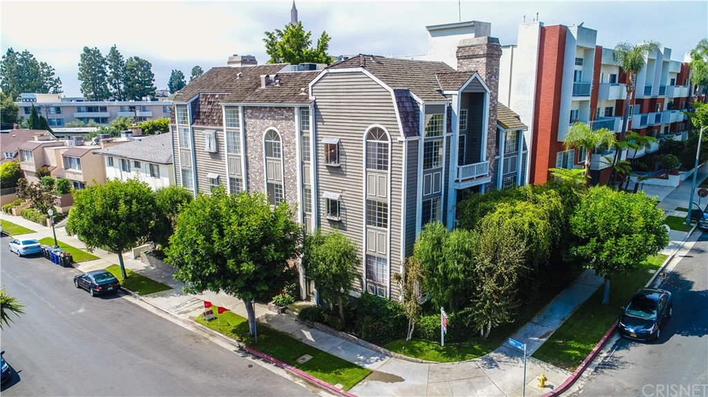 Property for sale at 1601 Hilts Avenue #5, Los Angeles,  CA 90024