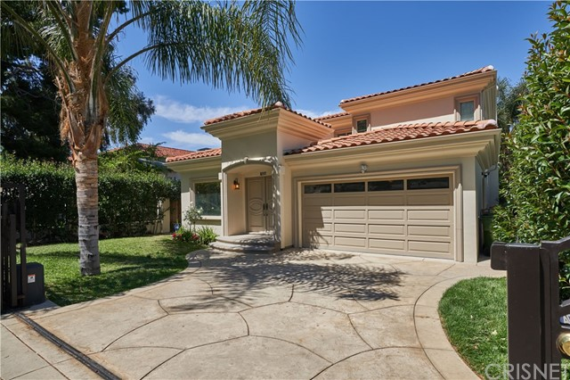 22137 Avenue San Luis, Woodland Hills CA: http://media.crmls.org/mediascn/610ea4be-258e-4eb2-8fa3-8fc21f03c705.jpg