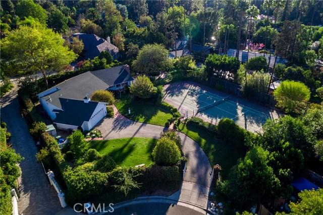 5201 Collier Place, Woodland Hills CA: http://media.crmls.org/mediascn/613ee795-74cd-4d20-928a-122188f08c21.jpg