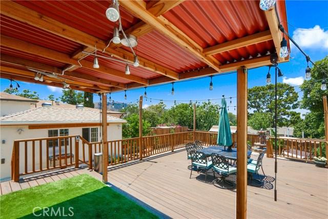 10351 Fernglen Avenue, Tujunga CA: http://media.crmls.org/mediascn/614fa5a6-2135-4810-803d-85ed2120260b.jpg
