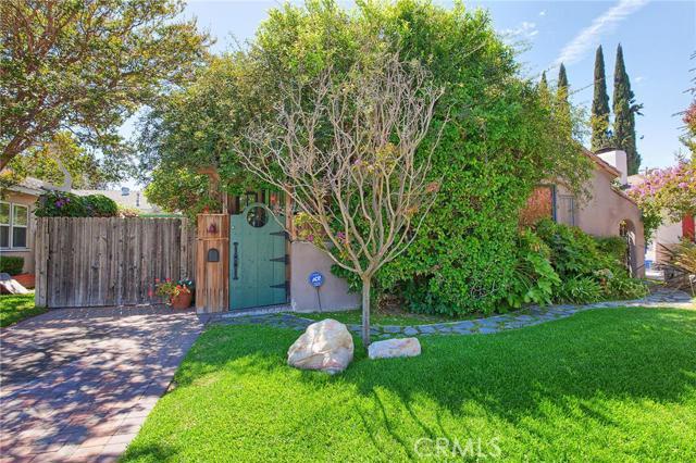 4919 Denny Avenue, North Hollywood, CA 91601