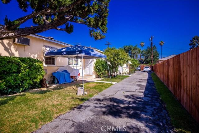 11345 Hatteras Street, North Hollywood CA: http://media.crmls.org/mediascn/616c626a-b16b-4e04-9f8c-bc4cbc22abfc.jpg