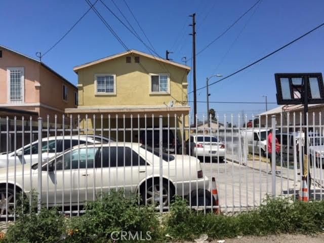 9700 Graham Avenue, Los Angeles CA: http://media.crmls.org/mediascn/617afce4-20ad-4dad-abfb-fe7121a19ecd.jpg