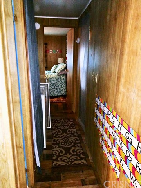 10471 GLENOAKS, Pacoima CA: http://media.crmls.org/mediascn/619e773e-fddf-401e-80ba-29b0158d49d6.jpg