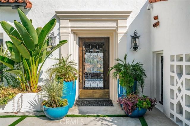 150 Fern Drive, Pasadena CA: http://media.crmls.org/mediascn/61bf7e87-5bf7-4340-b47d-5a4d3c428e52.jpg