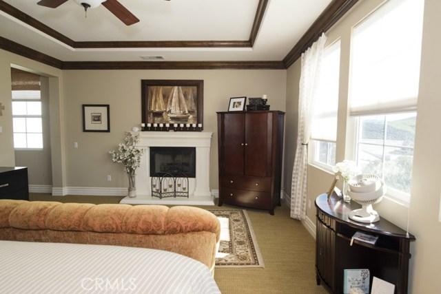 1668 Elliston Court, Simi Valley CA: http://media.crmls.org/mediascn/61c62400-ced8-426f-a726-2b9f9d010325.jpg