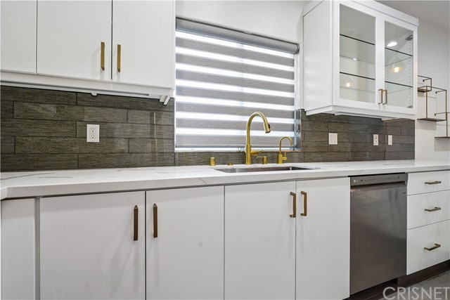 14819 Magnolia Boulevard Unit 14 Sherman Oaks, CA 91403 - MLS #: SR18276318