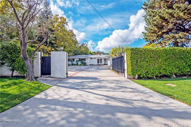 Additional photo for property listing at 4645 Hayvenhurst Avenue 4645 Hayvenhurst Avenue Encino, California 91436 United States