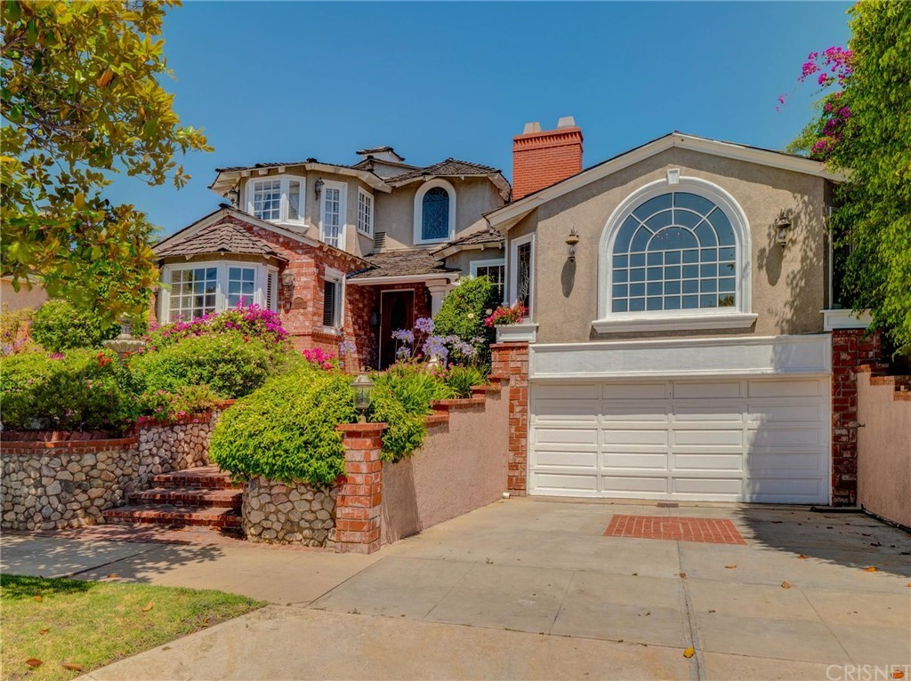 Property for sale at 8344 LOYOLA BOULEVARD, Los Angeles,  CA 90045