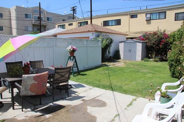 1721 Peyton Avenue, Burbank CA: http://media.crmls.org/mediascn/62cf1918-f24d-422a-913c-8b8d04ab2045.jpg