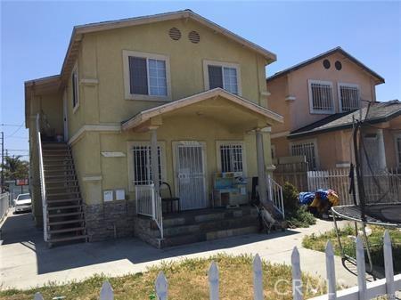 9700 Graham Avenue, Los Angeles CA: http://media.crmls.org/mediascn/62d61a24-2b3f-493e-bb5d-0ef231927692.jpg