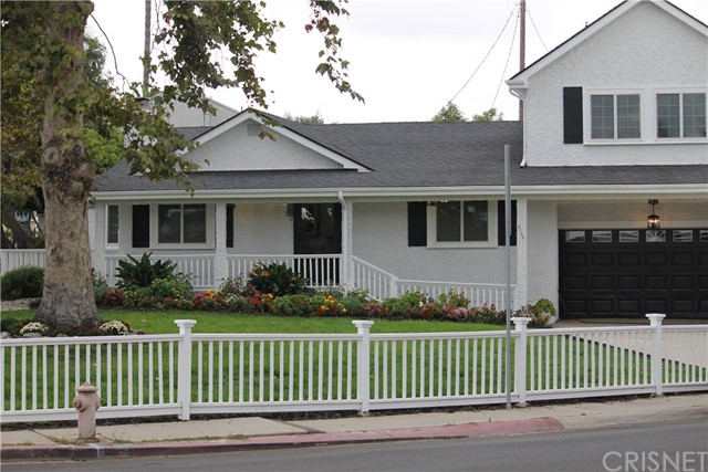 8721 Wiley Post Ave, Westchester, CA 90045