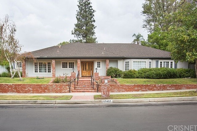 Single Family Home for Sale at 17417 Halsted Street 17417 Halsted Street Northridge, California 91325 United States