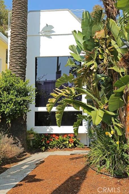 Single Family Home for Rent at 161 Hollister Avenue Santa Monica, California 90405 United States