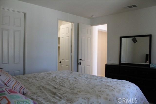 43942 Windrose Place, Lancaster CA: http://media.crmls.org/mediascn/63d95c03-152a-4d09-90b6-e1ad5bd1d3cb.jpg