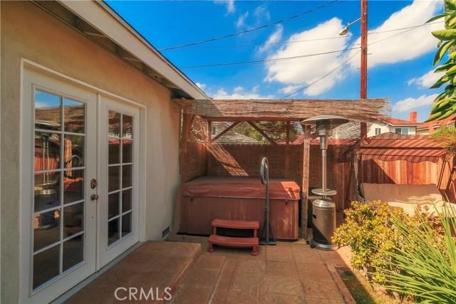 6556 Greenbush Avenue Valley Glen, CA 91401 - MLS #: SR17207453