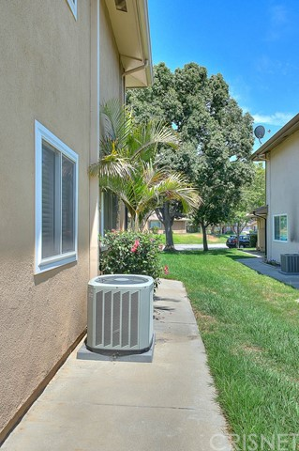 1257 N Avenida De La Suerte, Azusa CA: http://media.crmls.org/mediascn/643539b2-d7f0-4624-a434-01b54d42e5df.jpg