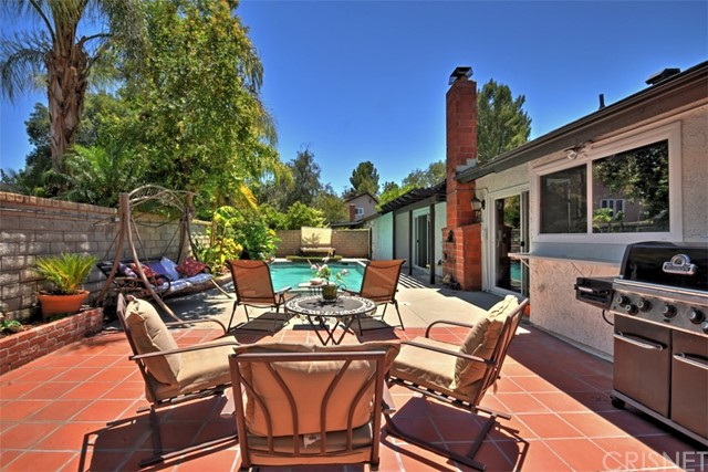 25670 Yucca Valley Road, Valencia CA: http://media.crmls.org/mediascn/645a2173-1477-4bf1-83ad-f56ae024f1b7.jpg