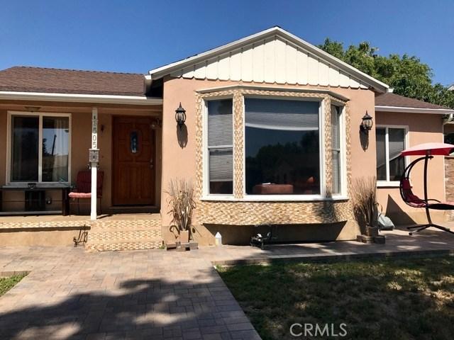 Single Family Home for Rent at 6505 Hesperia Avenue Reseda, California 91335 United States