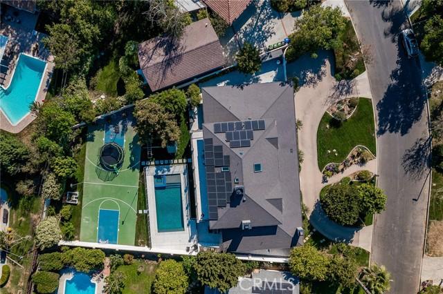 6140 Fenwood Avenue, Woodland Hills CA: http://media.crmls.org/mediascn/64958131-fa11-44f1-87d5-f2c1878dc2d8.jpg